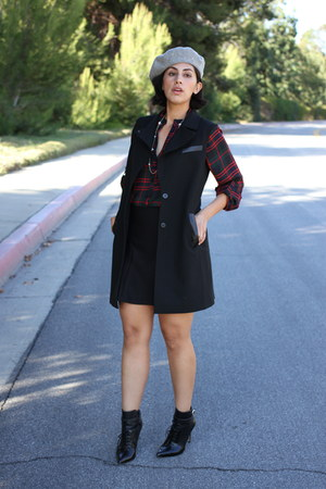 black ALTUZARRA boots - heather gray Modern Heritage hat - black ann taylor vest
