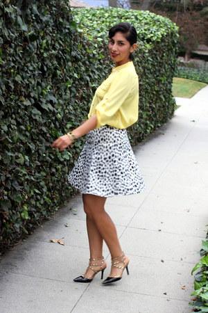 black Karen Kane skirt - light yellow XTAREN blouse - black BCBG Paris heels