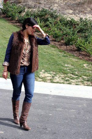 brown Target blouse - navy Express jeans - dark brown Kenar vest