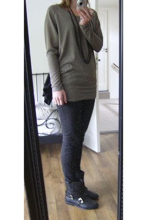 beige Only top - black pieces boots - black Esprit pants