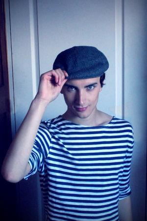 blue H&M top - Galerie Lafayette hat