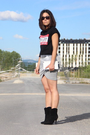h&m divided t-shirt - Zara skirt