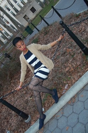 Forever 21 shoes - H&M dress - Betsey Johnson tights - Uniqlo cardigan