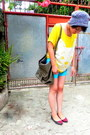 Sky-blue-neon-fauna-shorts-dark-khaki-up-to-date-blanc-noir-bag