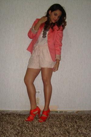 carrot orange Zara heels - salmon thrifted blazer