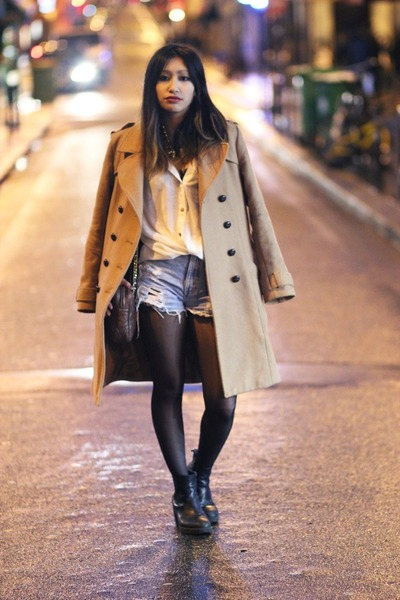 tan H&M coat - black vagabond boots