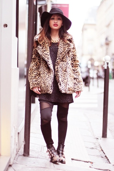 burnt orange leopard coat Nasty Gal coat - black studded boots Choies boots