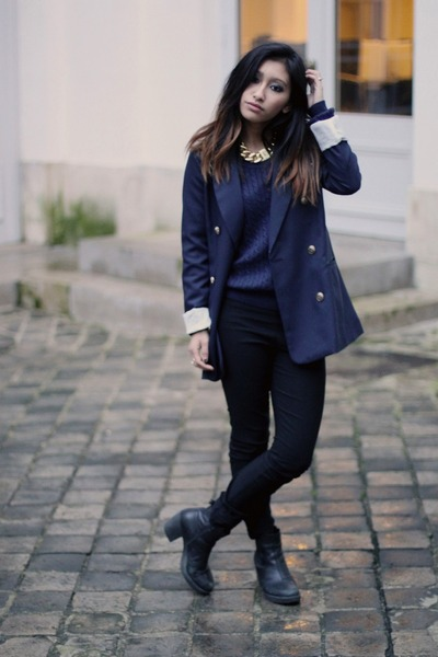 gold gold chain Nelly necklace - black vagabond boots - navy YESSTTYLE blazer