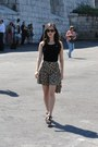 Black-ray-ban-sunglasses-gold-h-m-skirt-black-bershka-top