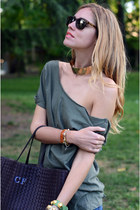 olive green shredded ROUGE et NOIR top