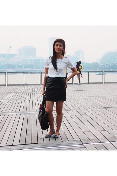 white linen Uniqlo blouse - black leather bag SM bag - black Forever 21 skirt