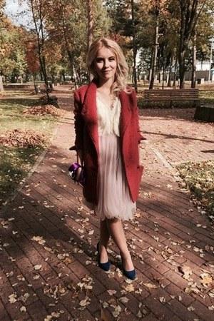 pink H&M dress - salmon Bershka coat - navy Zara heels - ivory pearls earrings