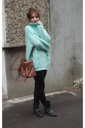 turquoise blue cotton New Yorker sweater - black Bershka boots