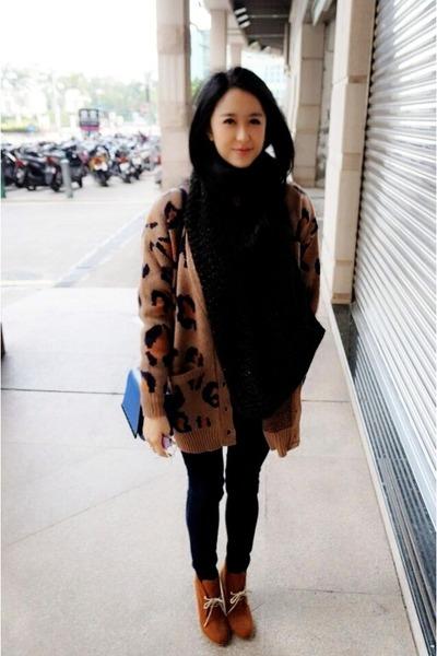 bronze leopard no brand cardigan - brown Zara boots - navy Mango jeans