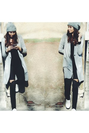 Stradivarius coat - Stradivarius jeans - Zara sneakers - H&M top