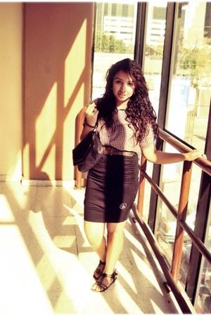 maroon shirt - black pull&bear bag - black sandals - black skirt - brown vintage