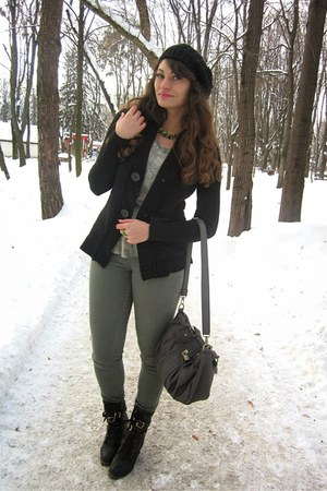 army green Stradivarius pants - black Lovelyshoesnet boots