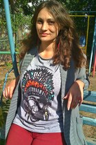 silver indian print OASAP t-shirt - ruby red Bershka jeans