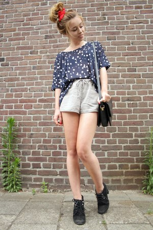 H&M shirt - vintage bag - H&M shorts