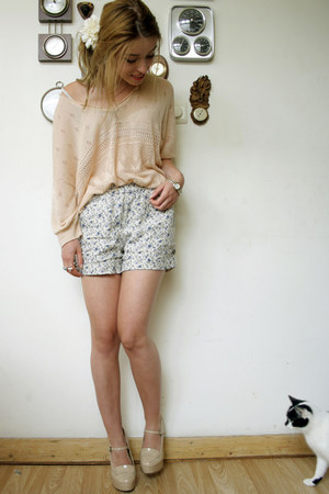 Forever21 heels - Mango shorts - Mango jumper
