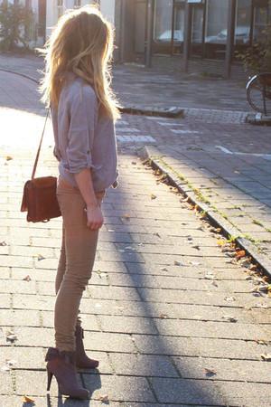 silver Mango blouse - beige Zara pants