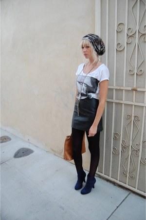 white Lady gaga t-shirt