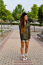 Green-zara-shirt-white-las-dalias-hippie-market-shorts-white-loewe-shoes