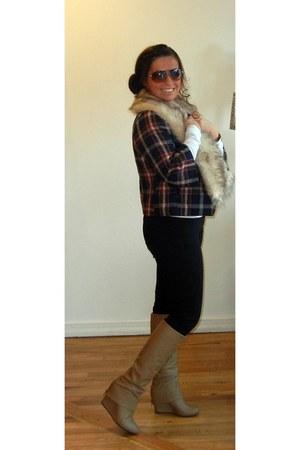 beige boots - black jeans - maroon jacket - beige scarf - white t-shirt
