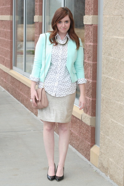 Crazy & Co necklace - mint H&M blazer