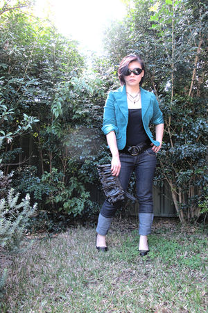 blue Vinnies jacket - black Now K-Mart top - blue K-mart jeans - black Aldo shoe