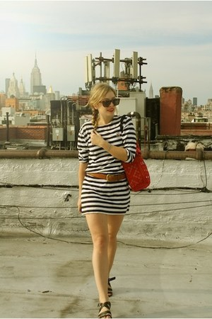 navy Ralph Lauren dress - red SPIRAL Foundation bag - brown Karen Walker sunglas
