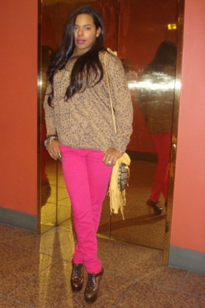 hot pink skinny jeans Current Elliot pants - dark brown Marni shoes