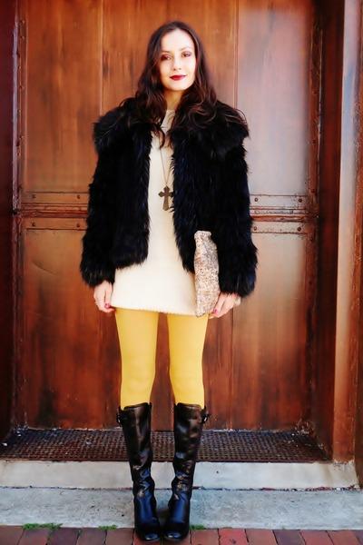 black coat - mustard tights
