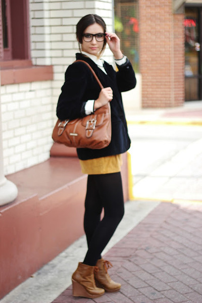 navy vintage blazer - burnt orange vintage shorts - bronze kling wedges