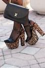 Beige-love-dress-camel-shoes-black-vintage-bag-gold-arty-ring
