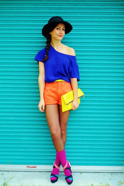 magenta socks - orange shorts - yellow Forever21 belt - blue top