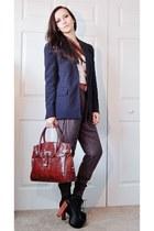 puce harem Zara pants - black shoes - navy blazer - brick red bag