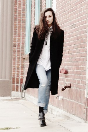black oversized coat