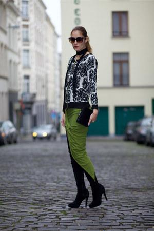 DressLink sweater - CNdirect skirt