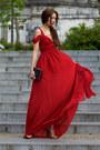 She-inside-dress
