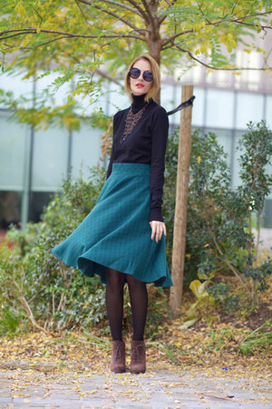 Chicwish skirt - CNdirect sweater - Jane Stone necklace