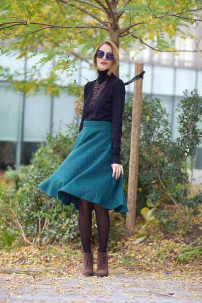 Chicwish skirt - CNdirect sweater - Jane Stone necklace