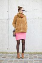 wholesalebuying coat - Aran Sweater Market scarf - Viparo skirt