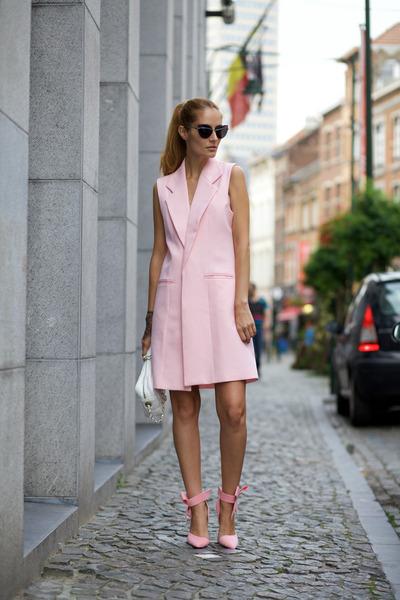 Marie& Frisco vest - DressLink shoes - Freyrs sunglasses