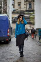Puppa Fashion skirt - Chicwish sweater