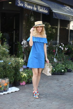 Airy Deals dress