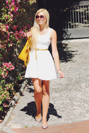 white Boohoo dress