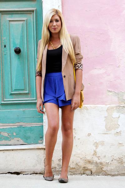 blue Boohoo shorts