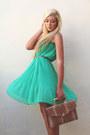 Turquoise-blue-boohoo-skirt