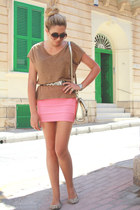 coral bodycon Ebay skirt - light brown loose fitting Zara top